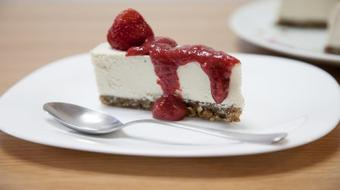 Healthy Raw Vegan Desserts: Sugar, Gluten, Dairy & Eggs Free course image