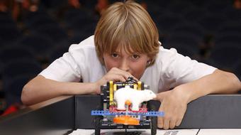 Роботика с LEGO Mindstorms course image
