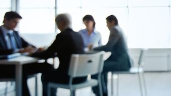 Business English: Meetings course image