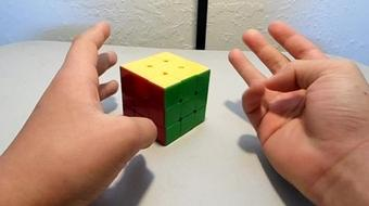 How to Solve a 3x3 Rubiks cube! course image