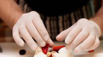 السلامة الغذائية في قطاع خدمات الأغذية course image