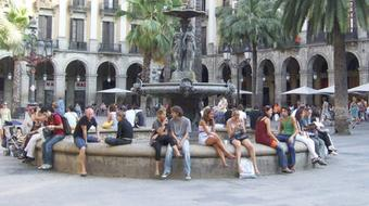 Spanish for Beginners 2: People and Places course image