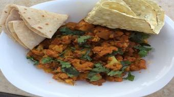Indian Cooking : Cauliflower and Potatoes (Aloo Gobi), Flat Bread (Roti) and Papad course image