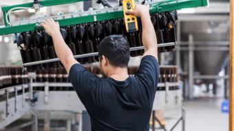 Seguridad en Sistemas de Control y Automatización Industrial course image
