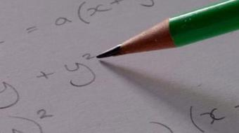 Bases Matemáticas: Álgebra course image