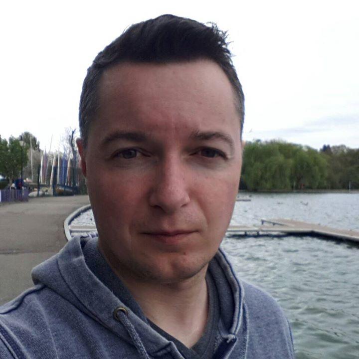 Zoltan Helmeczi profile image