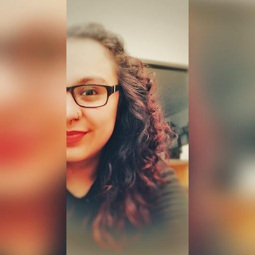 Laura Paola profile image