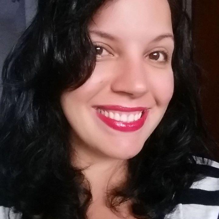 Larissa Fernandes profile image